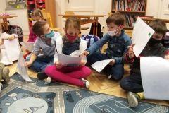 Předávání-výpisu-z-vysvědčení-v-prvních-třídách-02